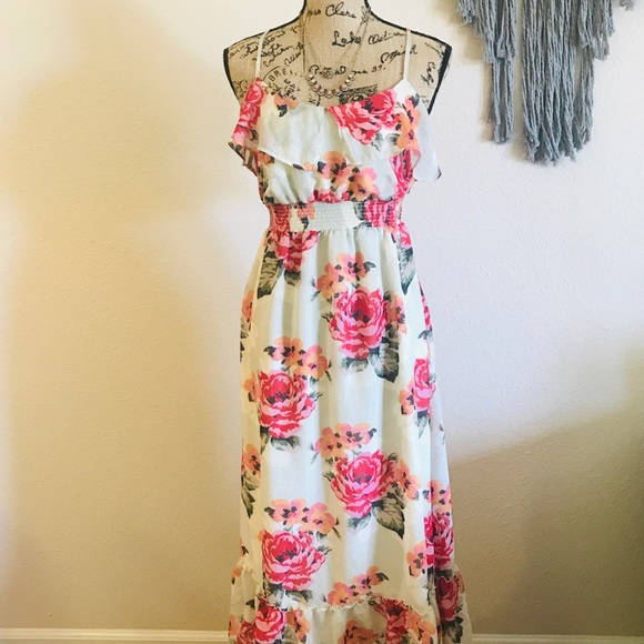 Aeropostale Dresses & Skirts - Aeropostale Floral Maxi Dress